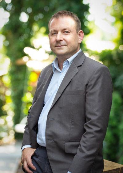 Mikolaj Kusiak 1 400x560 - akint.energy